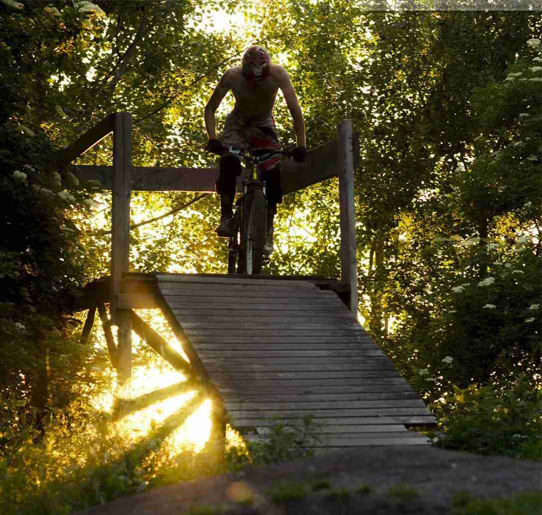holmen-dirt-aktiviteter-dirtjump-bmx-pumptrack-rekreativ-social-friluftsliv-cykelleg-sikker-cyklist-København-Copenhagen-Christianshavn-cykel-dirt-jump-16