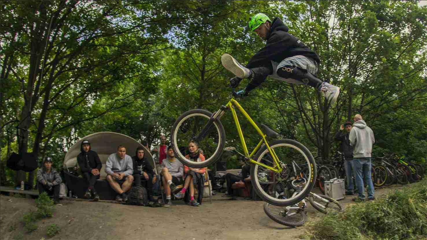 holmen-dirt-aktiviteter-dirtjump-bmx-pumptrack-rekreativ-social-friluftsliv-cykelleg-sikker-cyklist-København-Copenhagen-Christianshavn-cykel-dirt-jump-24
