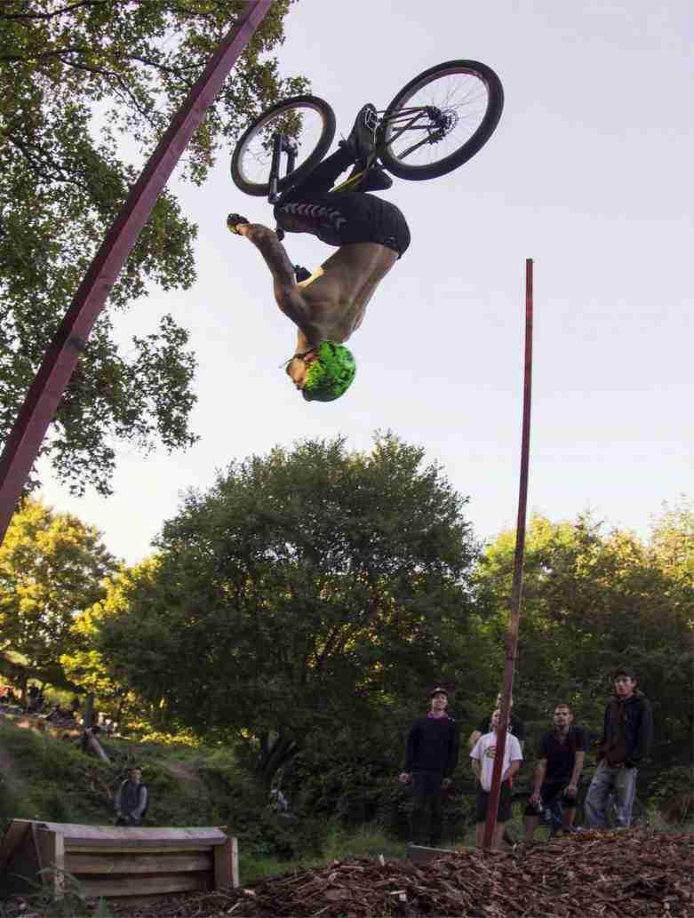 holmen-dirt-aktiviteter-dirtjump-bmx-pumptrack-rekreativ-social-friluftsliv-cykelleg-sikker-cyklist-København-Copenhagen-Christianshavn-cykel-dirt-jump-25