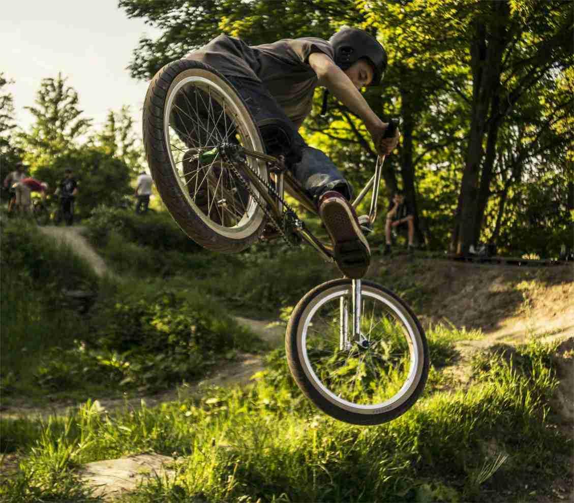 holmen-dirt-aktiviteter-dirtjump-bmx-pumptrack-rekreativ-social-friluftsliv-cykelleg-sikker-cyklist-København-Copenhagen-Christianshavn-cykel-dirt-jump-27